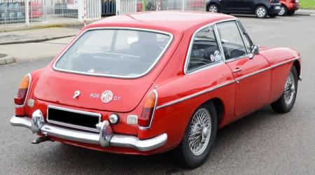 Voiture de collection « MGB GT »