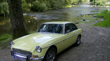 Voiture de collection « MGB GT 1974 »