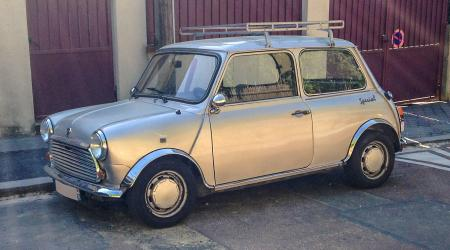 Voiture de collection « Mini Special »