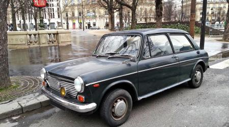 Voiture de collection « Morris 1100 »