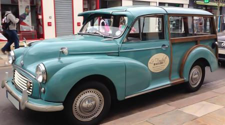 Voiture de collection « Morris minor 1100 »