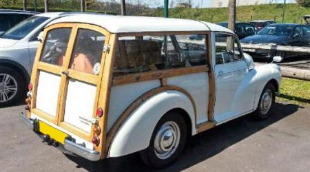 Voiture de collection « Morris Minor Woody »