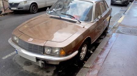 Voiture de collection « NSU Ro 80 »