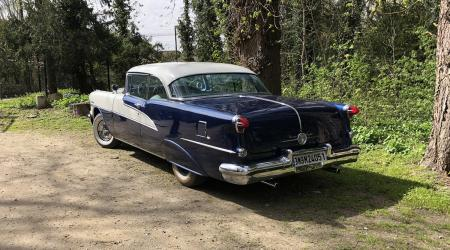 Voiture de collection « Oldsmobile 98 Holiday »