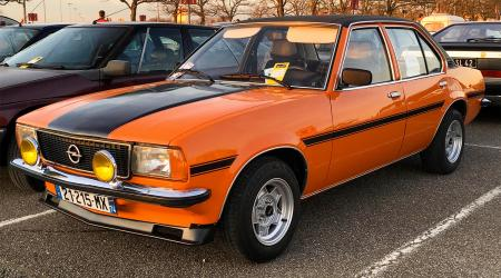 Voiture de collection « Opel Ascona »