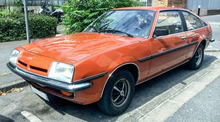 Voiture de collection « Opel Manta Fastback »