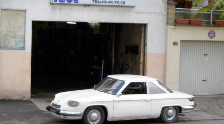 Voiture de collection « Panhard 24 CT 1964 »
