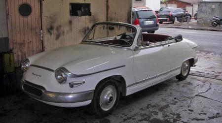 Voiture de collection « Panhard PL17 Cabriolet »