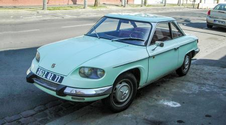 Voiture de collection « Panhard 24 CT 1967 »