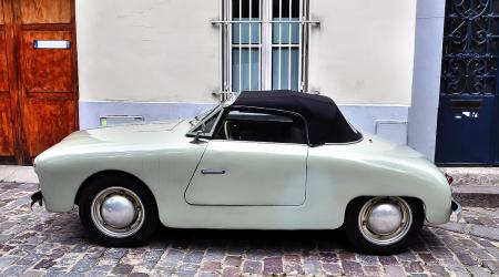 Voiture de collection « Panhard Dyna Junior »