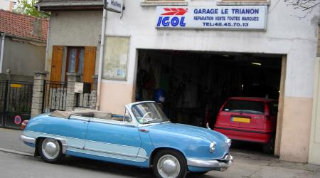 Voiture de collection « Panhard Dyna Z cabriolet bi-ton »