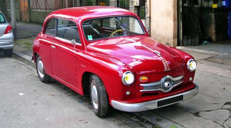 Voiture de collection « Panhard Scarlette 1953 »