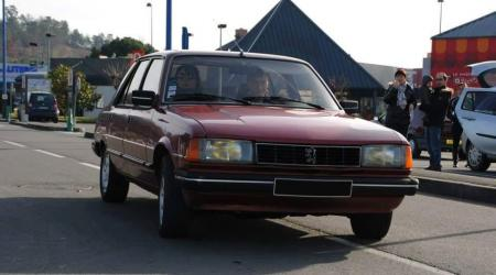 Voiture de collection « Peugeot 305 GTX »