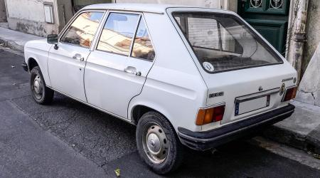 Voiture de collection « Peugeot 104 GL6 »