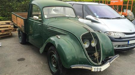 Voiture de collection « Peugeot 202 Pickup »