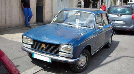 Voiture de collection « Peugeot 304 1975 »