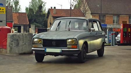 Voiture de collection « Peugeot 304 Break »
