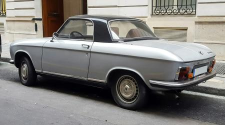 Voiture de collection « Peugeot 304 cabriolet/hardtop »