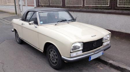 Voiture de collection « Peugeot 304 S Coupé hard top »
