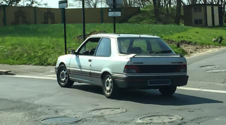 Voiture de collection « Peugeot 309 GTI »