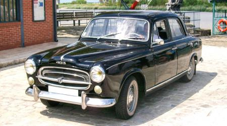 Voiture de collection « Peugeot 403 compresseur SCOTT »