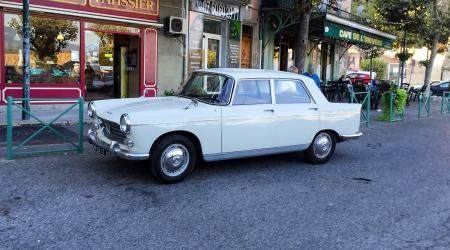 Voiture de collection « Peugeot 404 1969 »