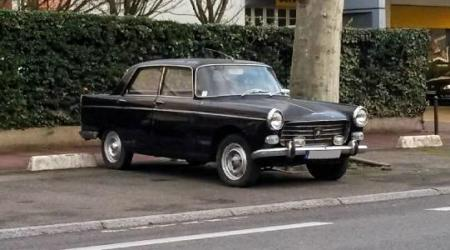 Voiture de collection « Peugeot 404 »