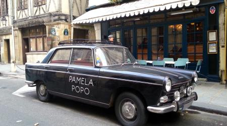 Voiture de collection « Peugeot 404 Pamela Popo »