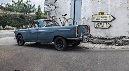 Voiture de collection « Peugeot 404 Pickup Elcamino »