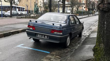 Voiture de collection « Peugeot 405 GR »