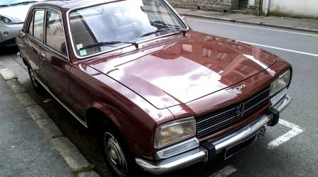 Voiture de collection « Peugeot 504 TI »