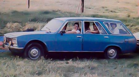 Voiture de collection « Peugeot 504 Break »