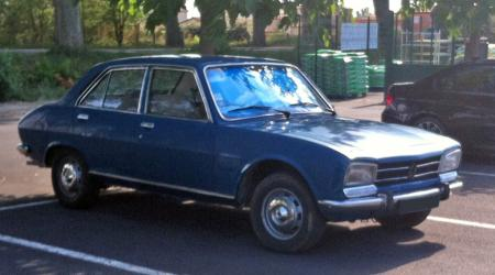 Voiture de collection « Peugeot 504 GLD »