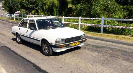 Voiture de collection « Peugeot 505 »
