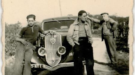 Voiture de collection « Peugeot 601 noire »
