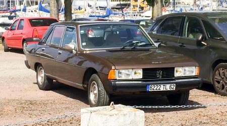 Voiture de collection « Peugeot 604 »