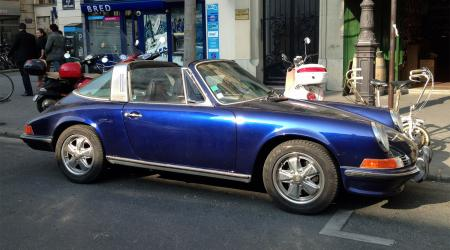 Voiture de collection « Porsche 911 Targa bleue »