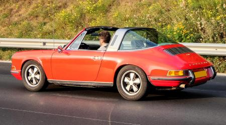 Voiture de collection « Porsche 911E Targa »