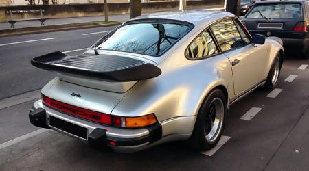 Voiture de collection « Porsche 911 turbo Type 930 »