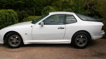 Voiture de collection « Porsche 944 Targa blanche 1985 »