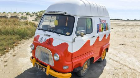 Voiture de collection « Renault Estafette 1000 Kinder »