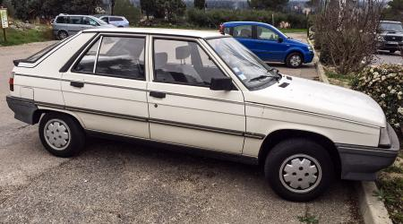 Voiture de collection « Renault 11 Spring 1,2l »