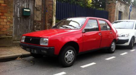 Renault 14 L rouge