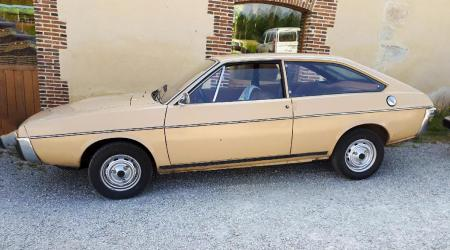 Voiture de collection « Renault 15 TL »