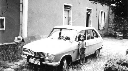 Voiture de collection « La R16 de mes grands parents en 70/71 »
