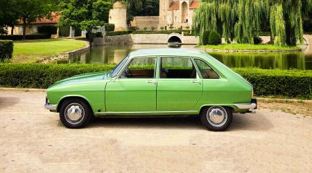 Voiture de collection « Renault 16 TL 1977 »