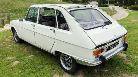 Voiture de collection « Renault 16 TX Automatic »