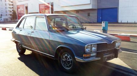 Voiture de collection « Renault 16 TX »