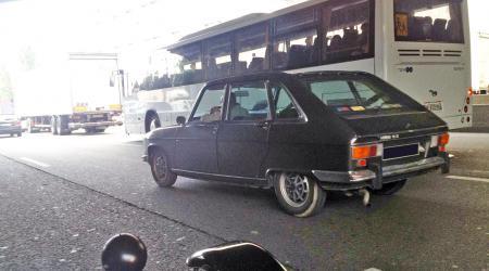 Voiture de collection « Renault 16 tx sur le périph' »