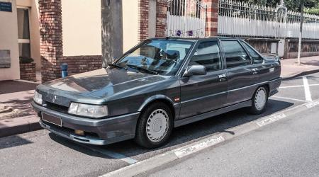 Voiture de collection « Renault 21 2L Turbo »